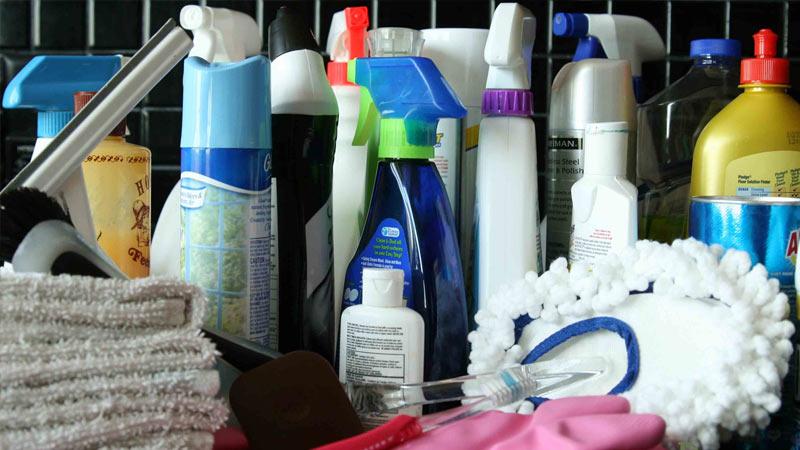 Кому доверить уборку квартиры?